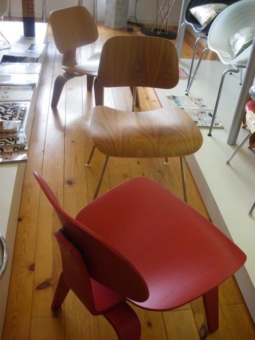 半世紀以上経た今も世界中の人々に愛され続ける奇跡の椅子...伝説の始まり。_b0125570_10492874.jpg
