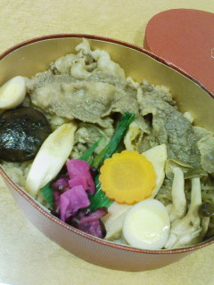 人形町 今半の炊き込みご飯すき焼弁当_f0112873_22593556.jpg
