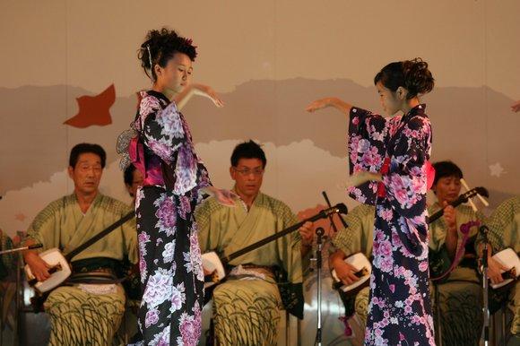 おわら風の盆 2011 4 福島の駅横ステージ_c0196076_16122511.jpg