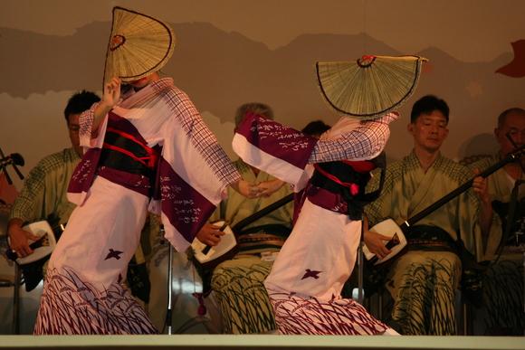 おわら風の盆 2011 4 福島の駅横ステージ_c0196076_166257.jpg