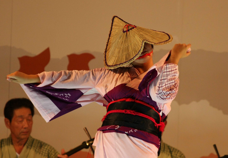おわら風の盆 2011 4 福島の駅横ステージ_c0196076_1671123.jpg