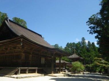 丹生都比売神社と高野山_c0125114_2261751.jpg