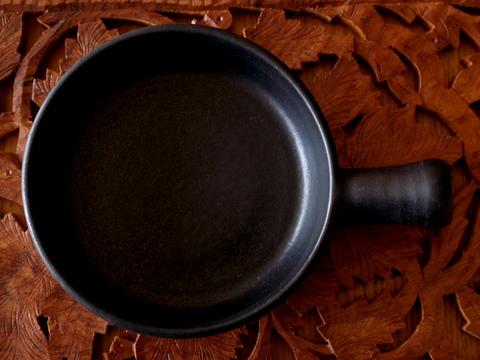 陶器のフライパン_e0186725_11125747.jpg