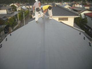屋根工事完成_f0031037_21264685.jpg