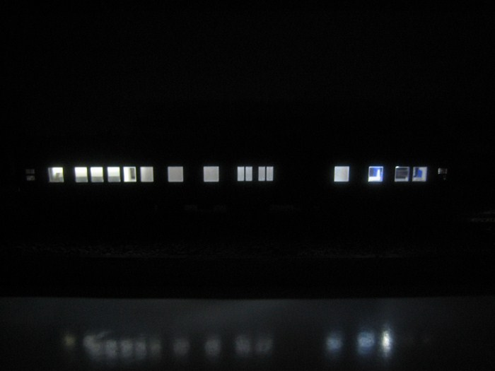 お召列車1号編成(昭和仕様)をイジる その1_e0120143_2323213.jpg