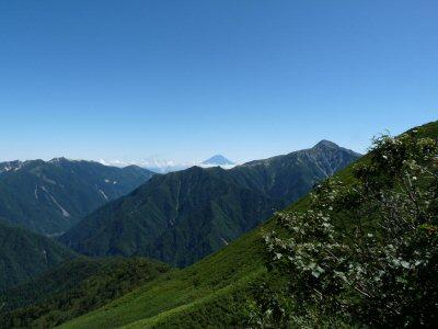 3000mの頂へ!_f0019247_2261340.jpg