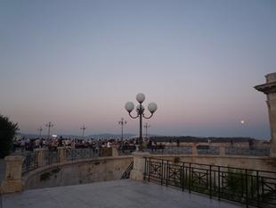 2011イタリア旅行記~カリアリの夜~_e0122770_0381776.jpg