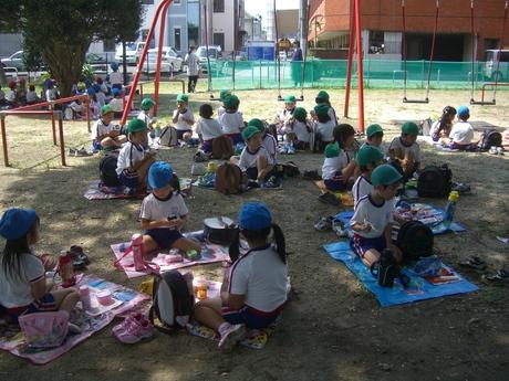 児童公園にて_a0168274_1291676.jpg