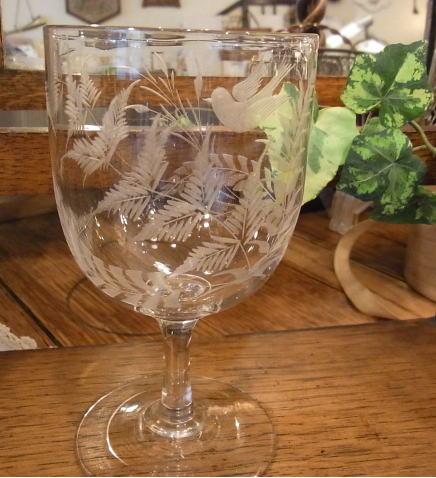 素敵なエングレーヴィングを楽しむグラス...._d0127182_16365328.jpg