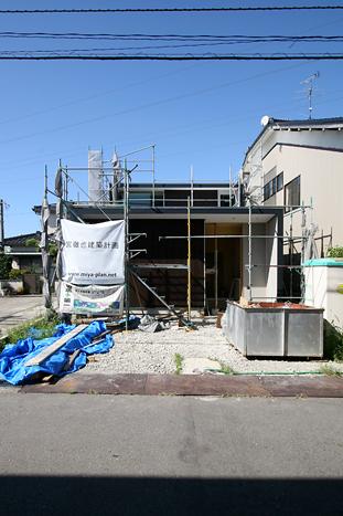 056 M house -110907定例_c0196892_23364587.jpg