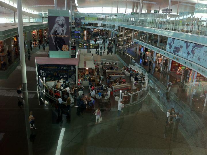 バルセロナ・エル・プラット空港_c0128818_16464269.jpg