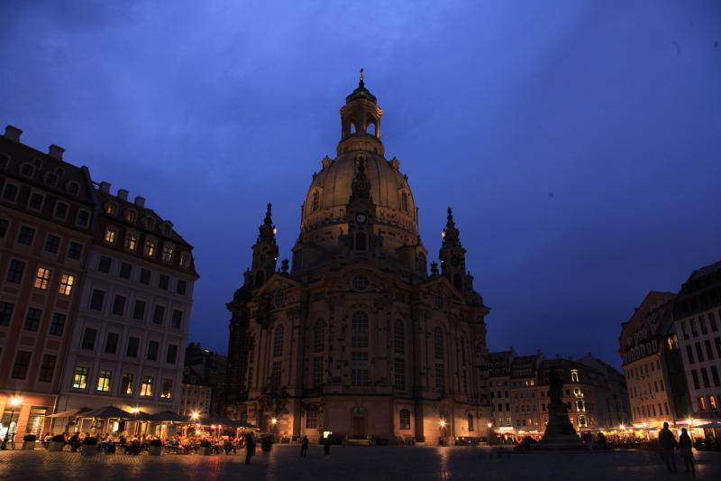 旧東ドイツな夜景_c0187779_23582991.jpg