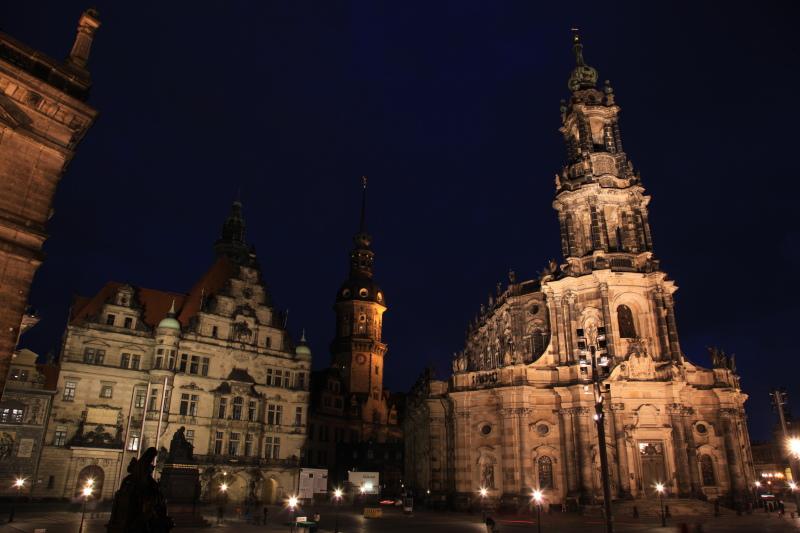 旧東ドイツな夜景_c0187779_23592080.jpg