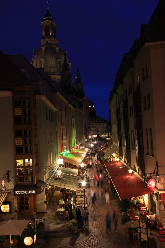 旧東ドイツな夜景_c0187779_2359794.jpg