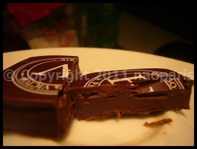 【HUGO&VICTOR】突然、チョコレートが食べたくなって・・・(PARIS)_a0014299_2114086.jpg