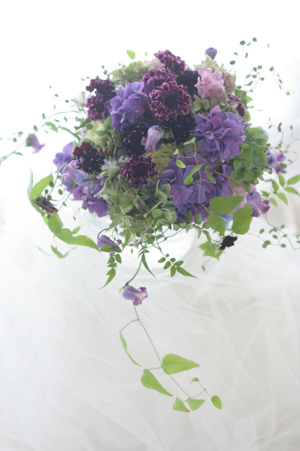 クラッチブーケ 凛とした紫で グラナダスイート様へ_a0042928_11472115.jpg