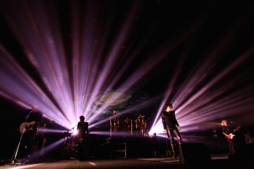 Alice Nine、7周年を迎えたツアーファイナルでシングルリリース&冬ツアーを発表_e0197970_052743.jpg