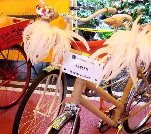 NYのファッション・デザイナー達がデザインした無料レンタル自転車?! Tour de Fashion_b0007805_20182092.jpg
