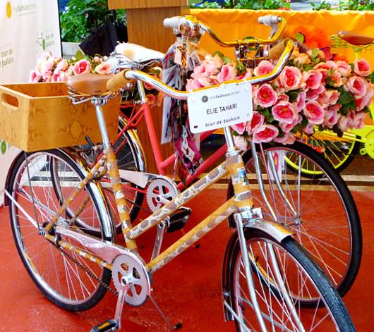 NYのファッション・デザイナー達がデザインした無料レンタル自転車?! Tour de Fashion_b0007805_2018951.jpg