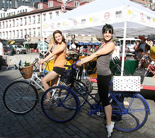 NYのファッション・デザイナー達がデザインした無料レンタル自転車?! Tour de Fashion_b0007805_2019854.jpg