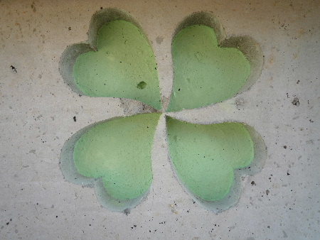 four-leaf clover _d0008402_2144059.jpg