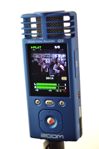 Zoom Handy Video Recorder Q3_b0175635_0165530.jpg