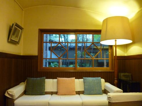 旅の中の小さな旅 湯布院 亀の井別荘_a0053662_15334915.jpg