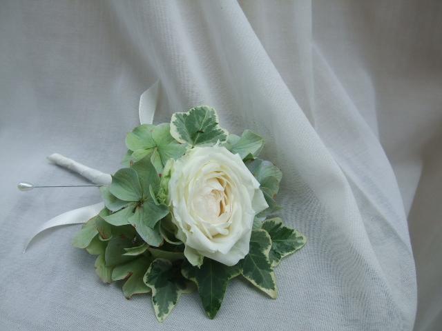 オークリーフ(白薔薇と紫陽花のブーケ)_f0049672_11194059.jpg