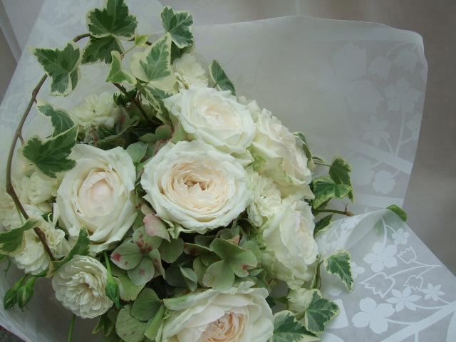 オークリーフ(白薔薇と紫陽花のブーケ)_f0049672_11203896.jpg