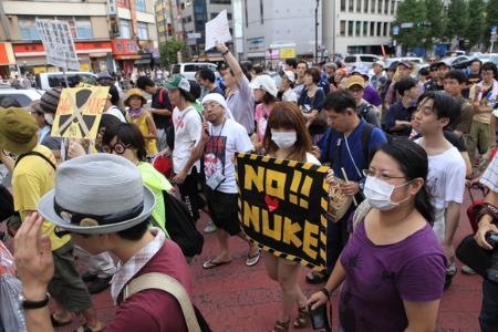 脱原発・新宿デモ2011年9月11日_a0086851_4371956.jpg