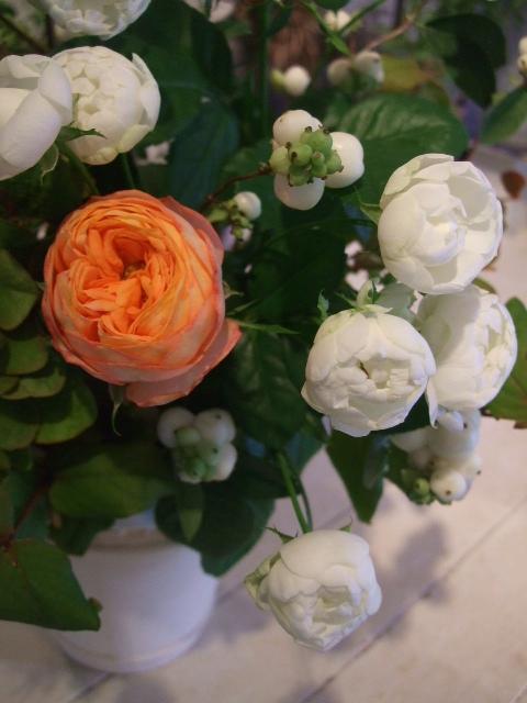 オークリーフ花の教室(宇田さん・落合さんの作品)_f0049672_17353388.jpg