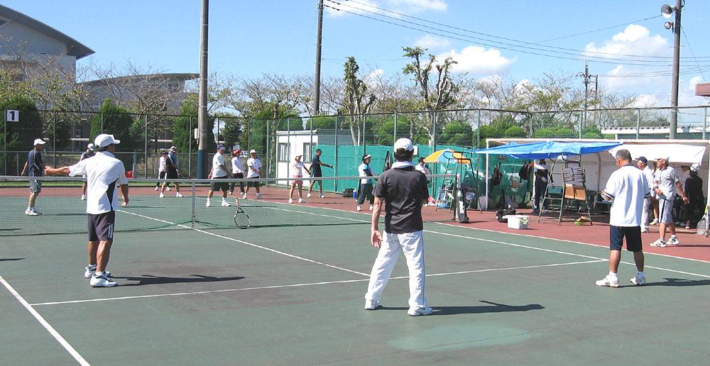 テニスの前のラジオ体操_b0114798_1642129.jpg