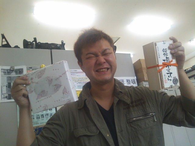 店長のニコニコブログ!N山様 ランクル100 ご成約☆_b0127002_21545856.jpg