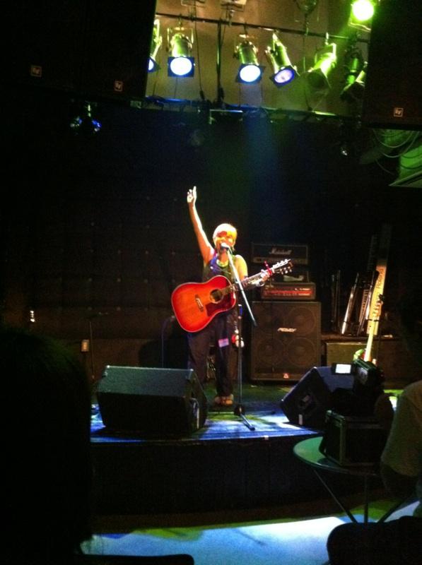 秋の関西ライブ3連発  その1☆三ノ宮バックビート_f0115311_8365392.jpg