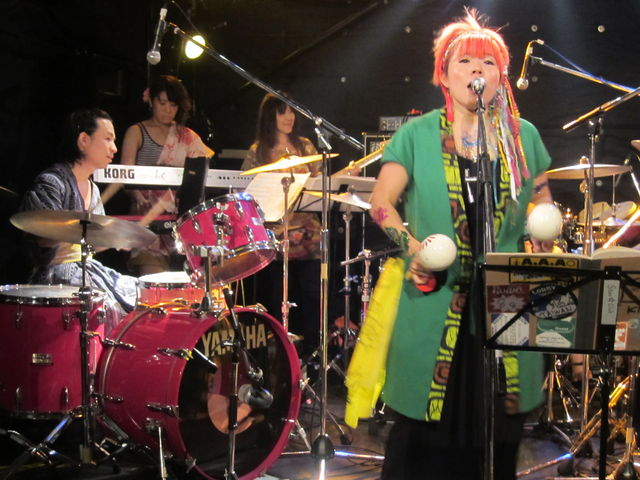 秋の関西ライブ3連発 その3☆タイコタタキ@神戸スタークラブ_f0115311_9353885.jpg