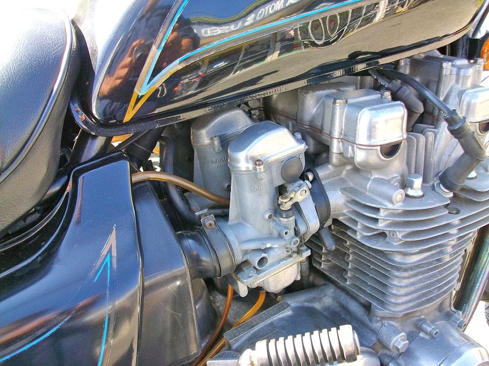Z1000LTD Fフォーク・ブレーキ・キャブレターのグレードアップ♪_c0086965_1250441.jpg