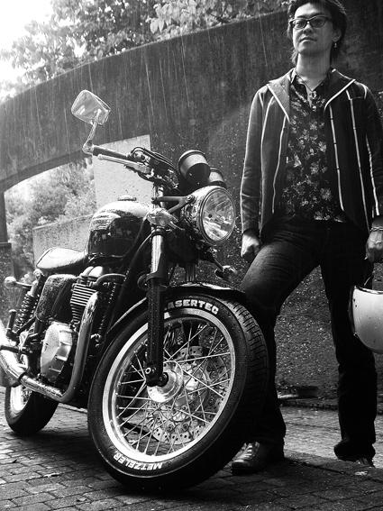 城山 宜弘 & Triumph Thruxton900(2011 0826)_f0203027_11402949.jpg