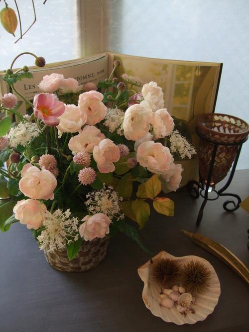 オークリーフ(秋の和花とバラのアレンジメント)_f0049672_11482614.jpg