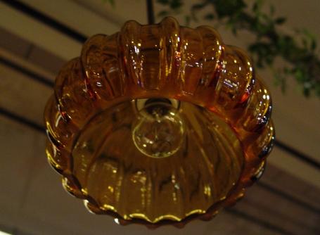 あめ色ガラスの小ぶりなペンダントライト 入荷!_a0096367_1830954.jpg