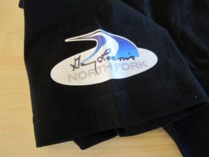 Garyのサイン入りTシャツ_a0183304_1780100.jpg