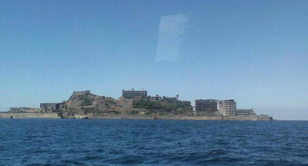 軍艦島に上陸~感動しました!_d0082356_1138231.jpg