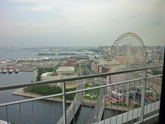 パンパシフィック横浜ベイホテル東急の「パシフィックラウンジ」_f0054556_19431115.jpg