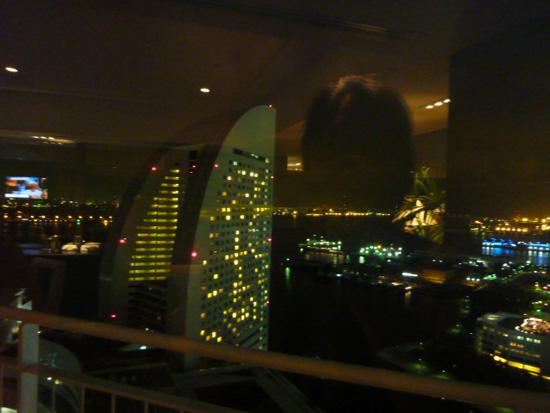 パンパシフィック横浜ベイホテル東急の「パシフィックラウンジ」_f0054556_19442421.jpg