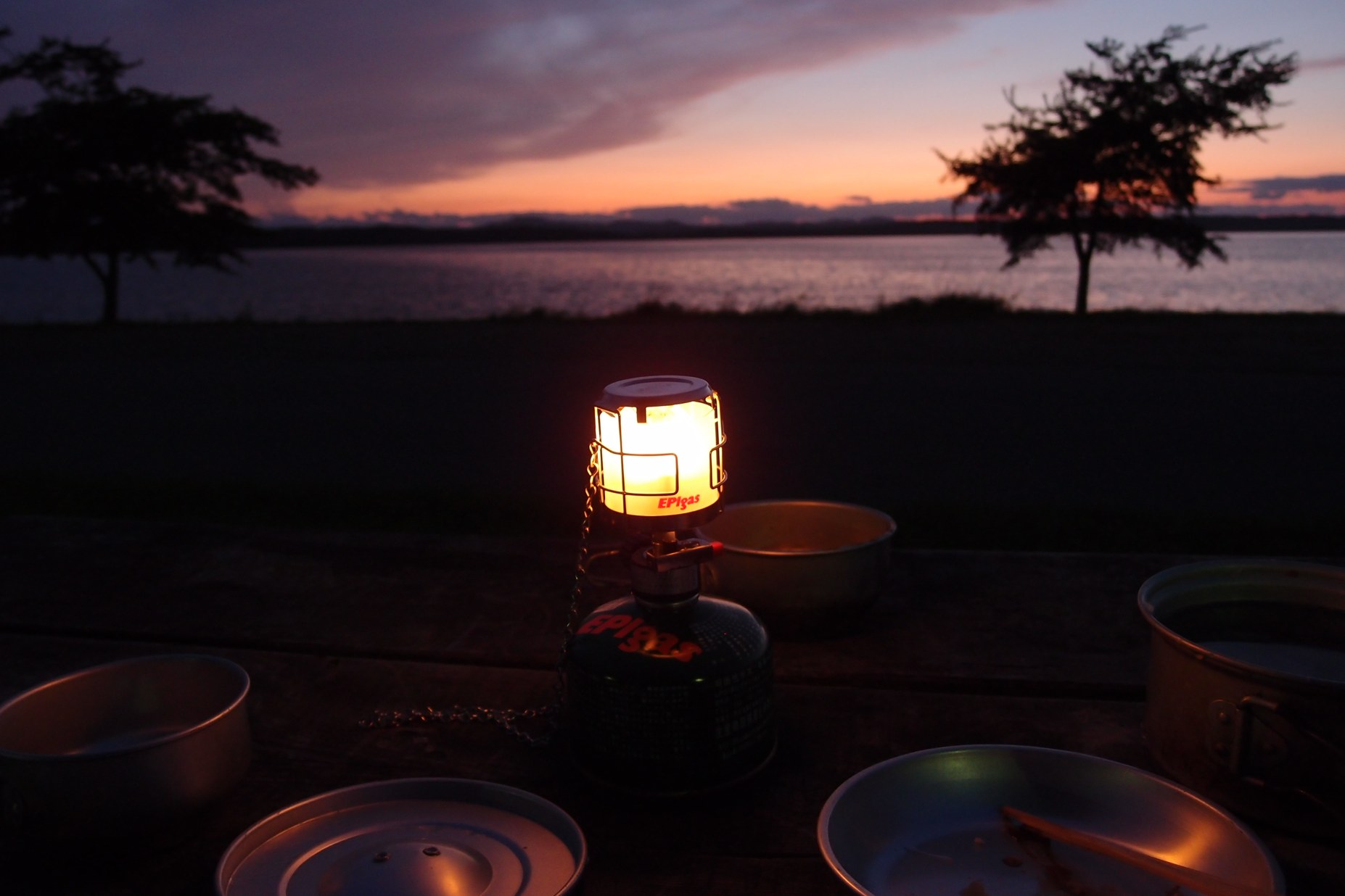必要最少限のキッチン〜北海道湖畔キャンプ_a0116902_2253367.jpg