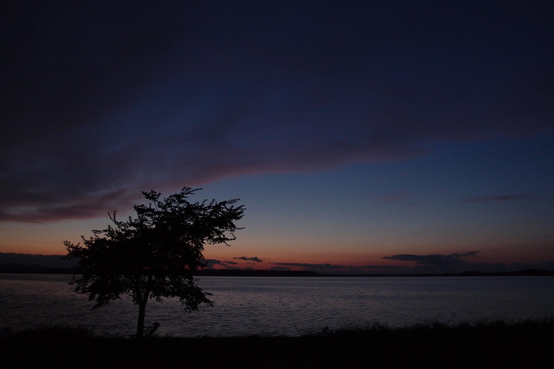 必要最少限のキッチン〜北海道湖畔キャンプ_a0116902_22534187.jpg