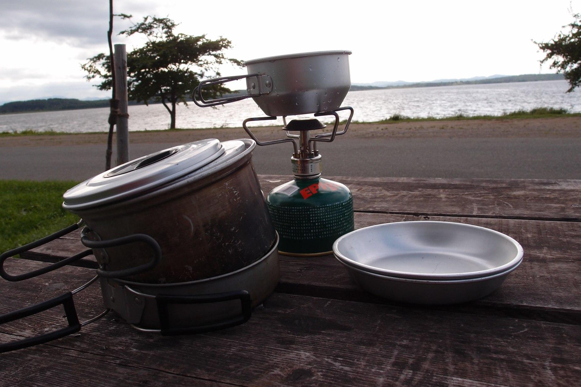 必要最少限のキッチン〜北海道湖畔キャンプ_a0116902_2253565.jpg