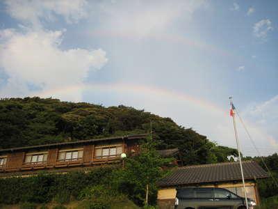 ★二重の虹の架け橋と☆.。.:*・°三色旗☆.。.:*・° _d0135908_23433223.jpg