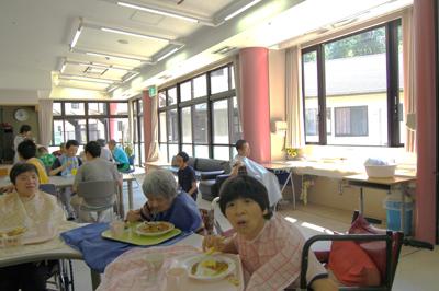 お楽しみ給食会を実施~☆_a0154110_16561574.jpg