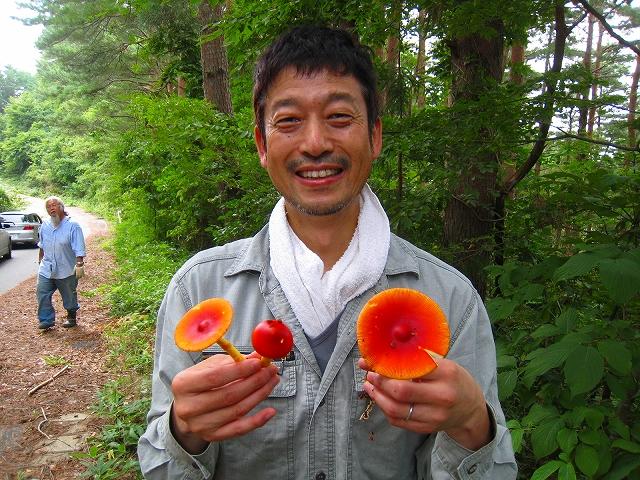 今月の吉里吉里国林業大学校 ~キノコの可能性~_e0002820_2346476.jpg