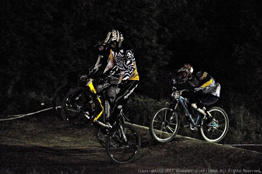 "11\""JOSF JAPAN Open Night Race VOL4:MTBエリート決勝 動画有り_b0065730_1018177.jpg"